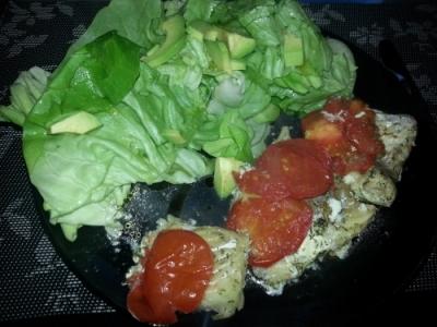 Seelachsfilet mit Salat
