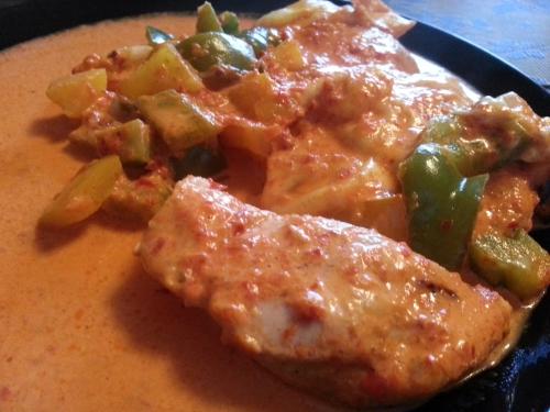 Schnitzel in Paprika Sahne Soße