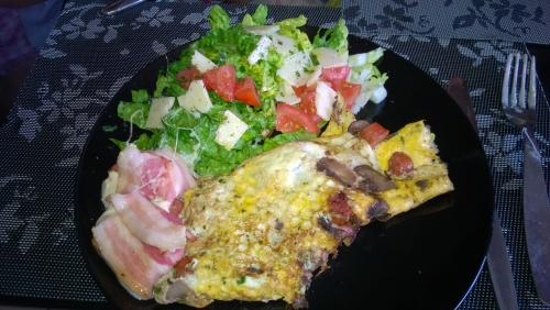 Gefüllter Mozzarella mit Rührei